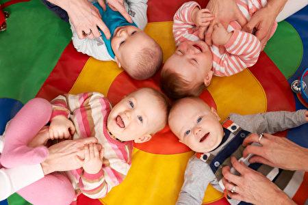 醫師建議有計畫生育的夫妻,應避免使用皮膚保養品,避免生出小雞雞男童的風險。圖為示意圖。(Fotolia)
