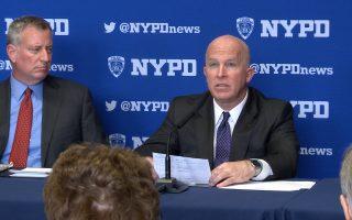 纽约市长白思豪(左)、市警察局副局长Dermot Shea(右)。 (奥利弗/大纪元)