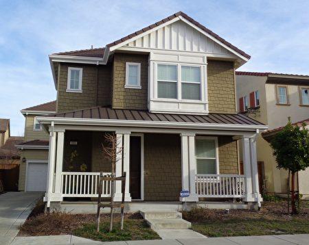 Mary 的上市房:3房2.5浴2,300平方呎,515 Montrose Ct, San Ramon,開價99.9萬。(灣區地產經紀Mary Mok提供)
