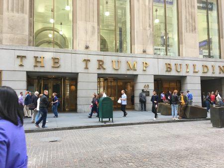 華爾街作為世界金融中心,自然是遊客們的必訪之地。