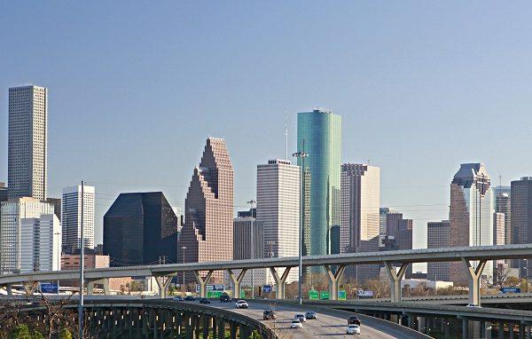 休斯顿市中心聚集众多大公司和商业楼群。(图片来源fotolia)