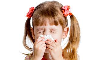 過敏體質、過敏性鼻炎與氣喘的的兒童適合接受三伏貼的治療。(Fotolia)