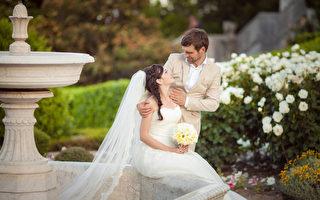 为何西式婚礼中有伴郎和伴娘?