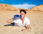 口渴是人体自身一种独特的保护机制,它可使人体免于脱水。(Fotolia)