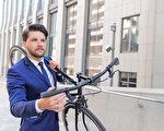 英國格拉斯哥大學的研究稱,騎自行車上班有助於降低將近一半罹患癌症或心臟病的風險。(Fotolia)