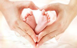 身为孩子的被母亲无条件爱着;身为母亲的,也被孩子沛然滋养著。纵使过程再怎么惊心动魄,却也因此丰腴了我们的生命,让我们的内心更壮大。(Fotolia)