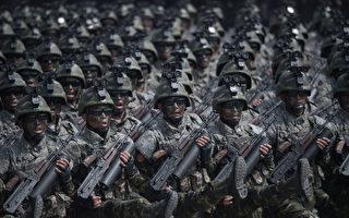 朝鮮近期高調展示導彈及砲兵軍力,但專家發現,有些是虛張聲勢,展示的是「假貨」。(ED JONES/AFP/Getty Images)