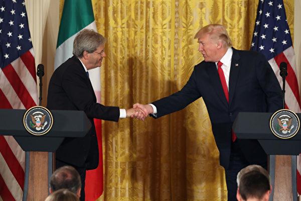 周四(20日),在川普与意大利总理简提洛尼的联合记者会上,川普表示对解决朝鲜问题有信心以及对国会新医保法案表示乐观。 (Photo by Mark Wilson/Getty Images)