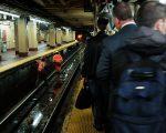 宾州车站状况频出,已经引发乘客不满。 (Spencer Platt/Getty Images)