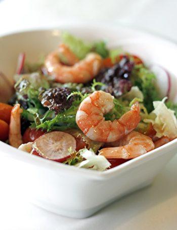 鲜虾沙拉。(bottlefish / CC / Pixabay)