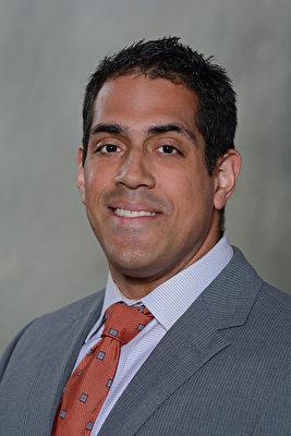 法拉盛醫院重症監護和肺部醫學副主任Dr.Daniel Zapata將講解「慢阻肺和哮喘」專題.(大紀元)