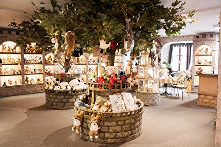 德国中世纪之宝罗滕堡(Rothenburg ob der Tauber)的老城有许多特色商店,罗滕堡泰迪熊商店(Teddys Rothenburg)就是其中之一。(Teddys Rothenburg商家提供)
