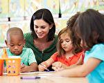 """孩子的学习和成长,需要""""家、校、生""""三位一体,合成一股力,朝着一个方向和一个目标努力。(fotolia)"""