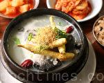 韩国传统饮食(料理)。图为参鸡汤。(全景林/大纪元)
