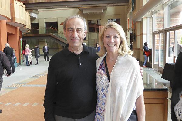 2017年5月6日下午,医生夫妇Paul Hobeika和Linda Disher一同观看神韵国际艺术团本季在新泽西的最后一场演出后,为之赞不绝口。(良克霖/大纪元)