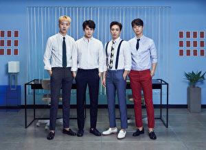 韩国男团CNBLUE,图(左起)为成员:李正信、李宗泫、郑容和、姜敏赫。(华纳提供)