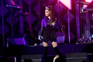美国歌手爱莉安娜‧格兰德(资料照)在英国曼彻斯特开唱发生爆炸意外,死伤惨重震惊全球。 (Paras Griffin/Getty Images for iHeart)