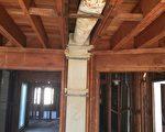 老旧的房子中用石棉当作保暖材料。(朱健冲提供)