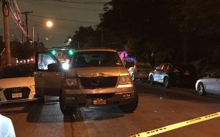 圖為肇事車輛,結實的美國福特車前面被撞得凹了進去,可見肇事司機當時極其魯莽。 (林丹/大紀元)