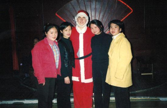 Albert Roman在中国某大学的生活照。(Albert Roman提供)