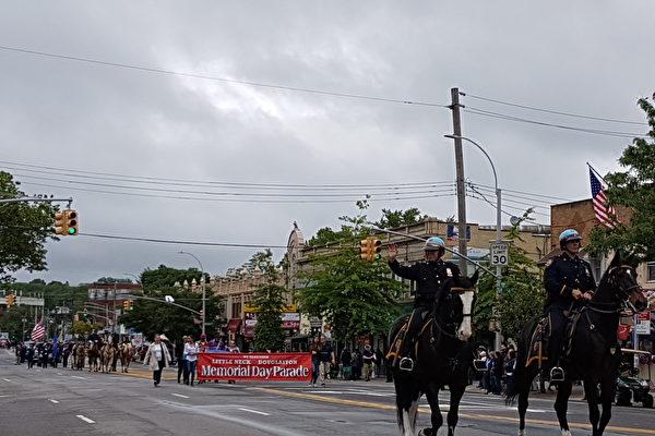 """5月29日,纽约皇后区举行了第90届小颈-道格拉斯顿""""阵亡将士纪念日""""大游行。(作者提供)"""