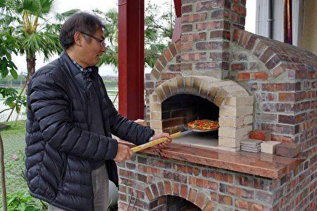 梅花湖休区-光脚ㄚ民宿-手工Pizza DIY。(宜兰县政府提供)