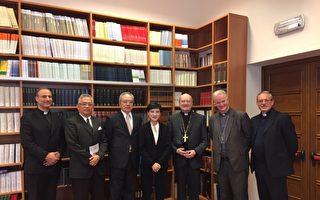 文化部長鄭麗君(中)拜會教廷文化部長拉瓦西樞機主教(右3),廣泛交流宗教與文化觀點。(文化部提供)