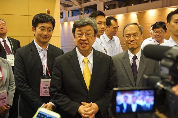 陳建仁17日針對斐濟撤館表示,會持續踏實外交工作,台灣駐館還在當地,會持續溝通。(李怡欣/大紀元)