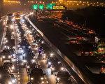 交通部长贺陈旦23日表示,国道夜间免收费对车辆分流的效果小,且深夜死亡人数是其他时段的8倍,不希望以此鼓励民众冒险上路。图为示意图。(陈柏州/大纪元)