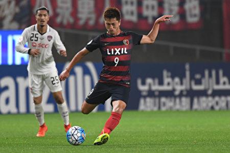 出生于1996年4月26日的小将铃木优磨年仅20岁就在世俱杯上崭露头角 。(Photo by Masashi Hara/Getty Images)