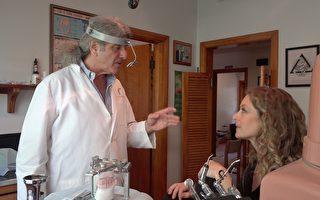 病患Jill Laugenour(右)在牙醫Jamie Azdair(左)診療後身體狀況大有改善。(王姿懿/大紀元)