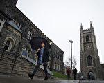 图:多伦多大学发出的一个公告称,截至5月1日的7个月中,海外学生申请增24%。(加通社)