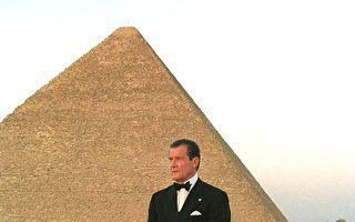 007扮演者罗杰‧摩尔辞世 戏外人生也精彩