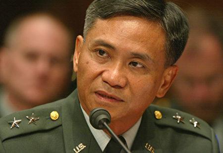 退役美国陆军少将塔古巴(Antonio Mario Taguba),希望年轻一代能接替这一代,继续为亚太裔社区发声。(Alex Wong/Getty Images)