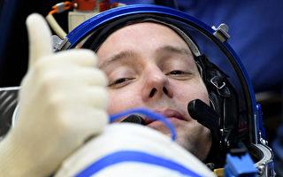 法国宇航员比斯求特目前是国际空间站中最年轻的欧洲宇航员。(KIRILL KUDRYAVTSEV/AFP/Getty Images)