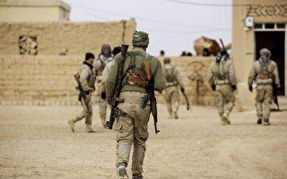 美國五角大樓官員透露,總統川普(特朗普)已批准一項計劃,同意提供更多武器及軍事設備給敘利亞庫爾德族民兵。(DELIL SOULEIMAN/AFP/Getty Images)