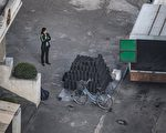 北京今年2月宣布禁止自朝鲜进口煤炭,据其海关统计,3月及4月自平壤进口煤炭的金额双双挂零。然而,专家有不同的观察及解读,认为北京故弄玄虚,并未真正地惩罚金正恩政权。(ED JONES/AFP/Getty Images)