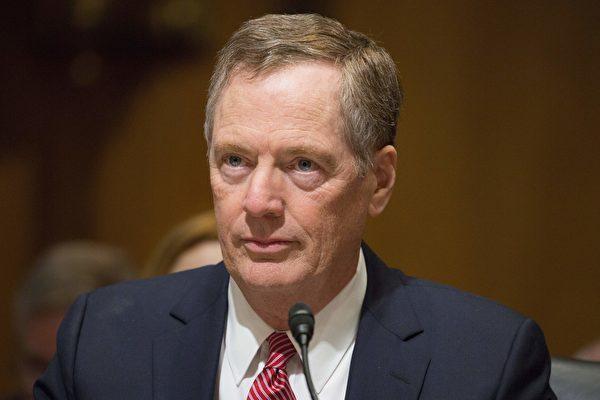 美国新任贸易代表莱特海泽(Robert Lighthizer,如图)周四(5月18日)表示,预订在8月16日重启NAFTA谈判,期能在年内完成。(TASOS KATOPODIS/AFP/Getty Images)