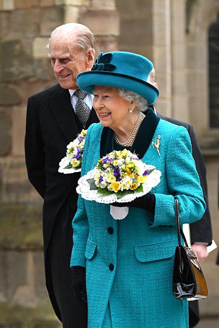 到目前为止,菲利普亲王已经代表王室出席了22,191次活动,并进行了637次国外单独访问。(Photo by Anthony Devlin - WPA Pool/Getty Images)