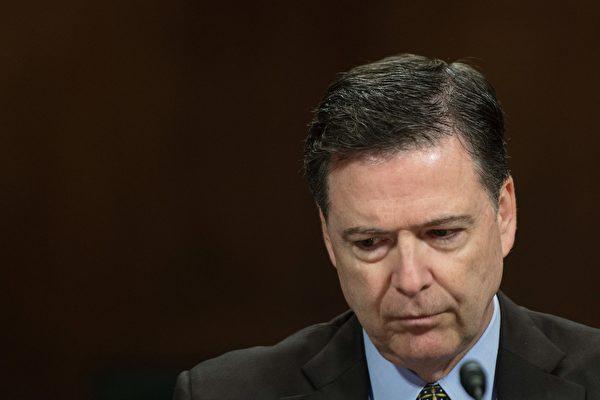 白宮新聞發言人斯派塞發表聲明說,川普週二(5月9日)解僱了聯邦調查局(FBI)局長科米。(Photo credit should read JIM WATSON/AFP/Getty Images)
