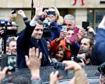 法國民眾選擇了中間派政治新手馬克龍成為下屆法國總統。  (Thierry Chesnot/Getty Images)