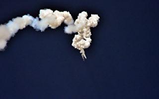 朝鮮5月21日向它的東岸水域發射一枚導彈,這是一周內發射的第二枚導彈。( STR/AFP/Getty Images)