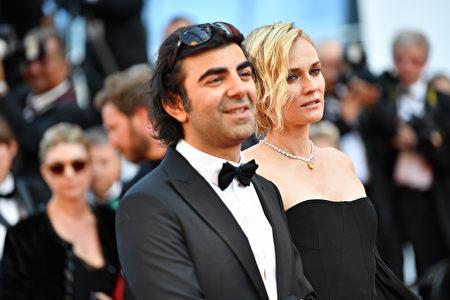 图为获得最佳女主角的Diane Kruger与导演。( Pascal Le Segretain/Getty Images)