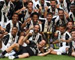 尤文圖斯提前一輪奪得意甲冠軍,成為史上首支實現意甲六連冠的球隊。(Valerio Pennicino/Getty Images)
