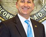 佛罗里达圣彼得堡市市长Rick Kriseman宣布5月13日为该市法轮大法日, 并鼓励全体市民遵循真善忍的原则。(大纪元)
