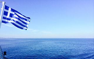 希臘的愛琴海,藍得如此純粹透澈,直入心扉。(筱林子提供)