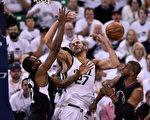 NBA季後賽首輪系列賽第六場,洛杉磯快船98:93客場戰勝猶他爵士,兩隊將進行搶七大戰。(Gene Sweeney Jr/Getty Images)