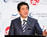 安倍晉三任日本首相日數超越前首相小泉純一郎,成為戰後任期第三長的日本首相。 (Photo by Brook Mitchell/Getty Images)