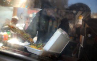 未来纽约市是否废除保丽龙,或走上回收配套,市议会仍摇摆不定。 (Spencer Platt/Getty Images)