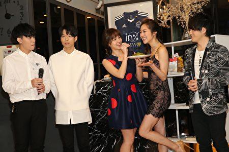 2017年5月9日,「LIR」於台北舉行新專輯記者會,正式與台灣媒體見面。圖為李礎業_鄧佑剛_魏蔓_松岡李那_王友良。(KING Enterprises (International) Limited提供)